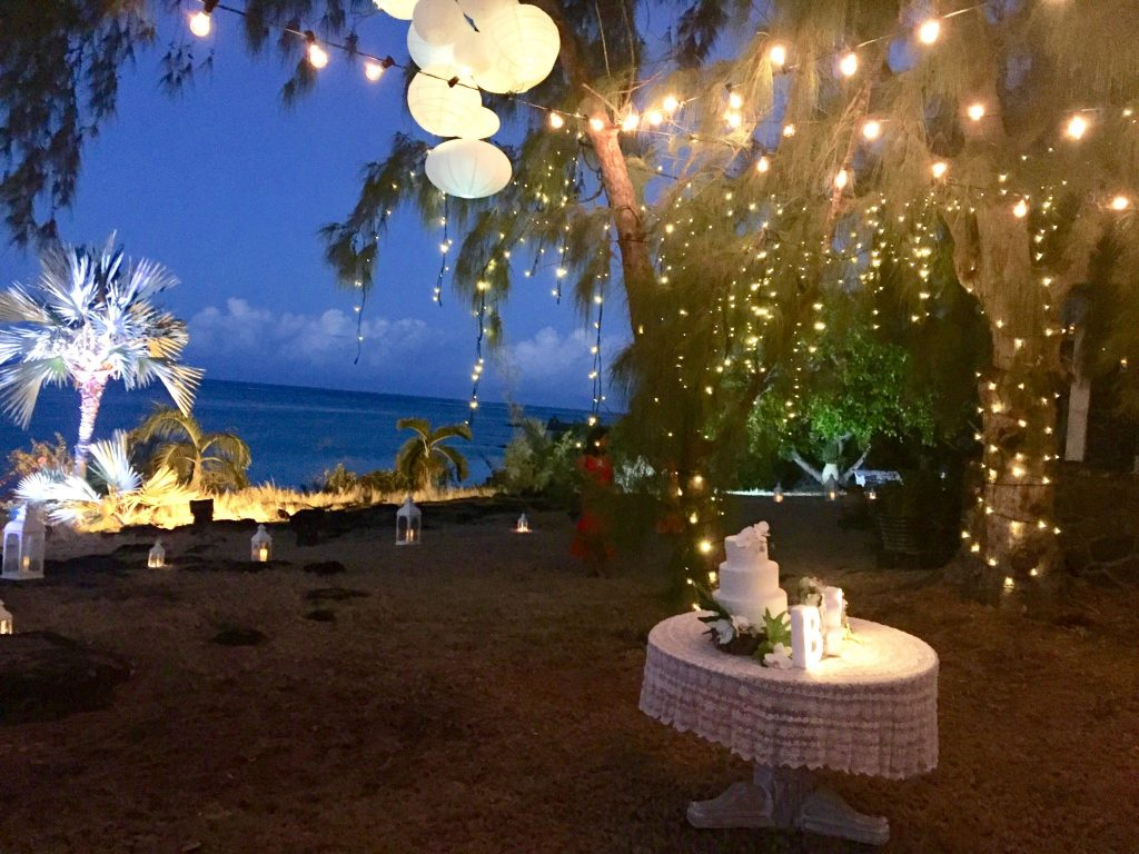 How to light your garden for an enchanted outdoor party